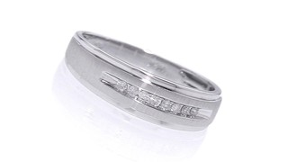 play video - Zales Mens Wedding Rings