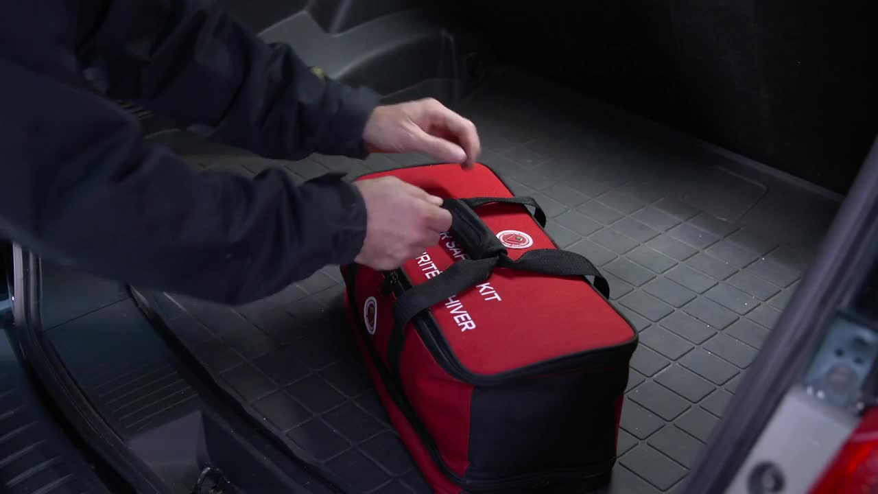 Driving gloves canadian tire - Canadian Tire Premium Winter Safety Kit