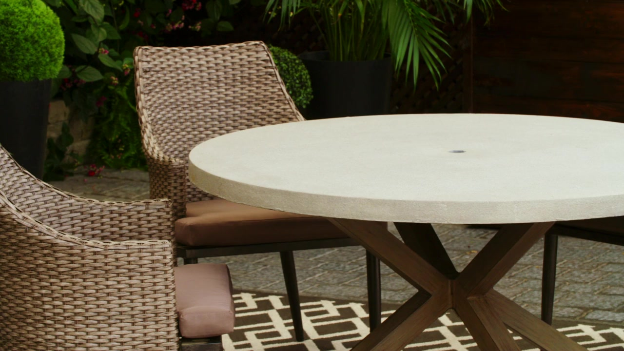 Charming CANVAS Seabrooke Dining Set Idea
