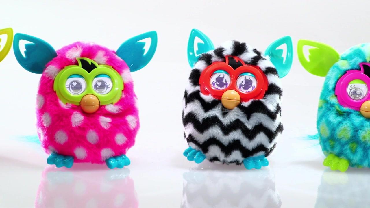 Видео что делает игрушка фёрби бум