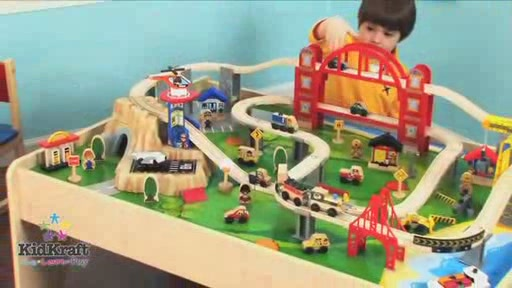 Superbe Metropolis Train U0026 Table Set *Video Reflects Train Set Only U0026raquo; KidKraft    Toys   Video Gallery